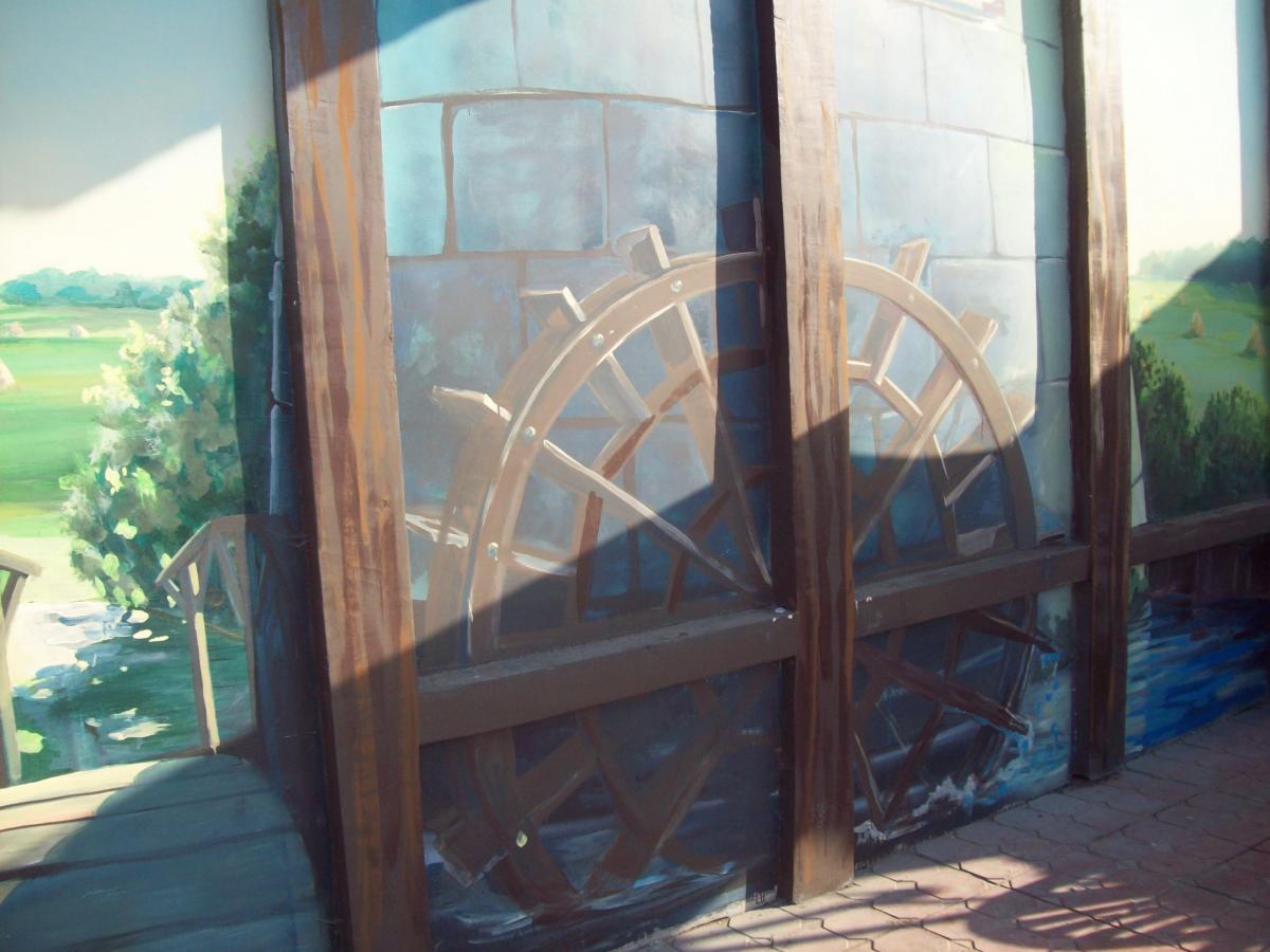 водяная мельница роспись стены фасада